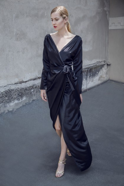 FLOOR-LENGTH SILK LAME EVENING GOWN