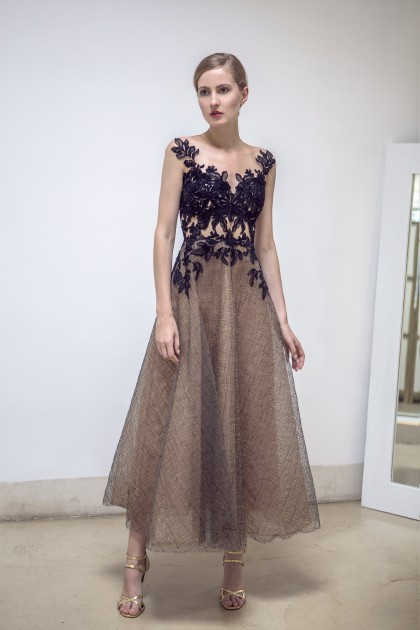TEA-LENGTH LACE AND TULLE GOWN